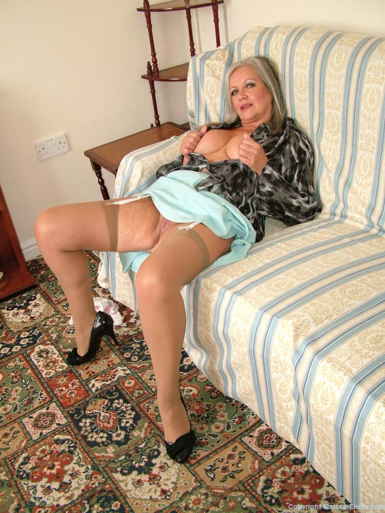 Housewife And Escort Landsdowne Queen