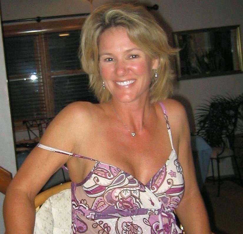 50 To 55 Blond Sexual Encounter Woman Seeking Man