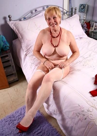 Pleasurecru Woman Casual Man Encounters Seeking Kinky