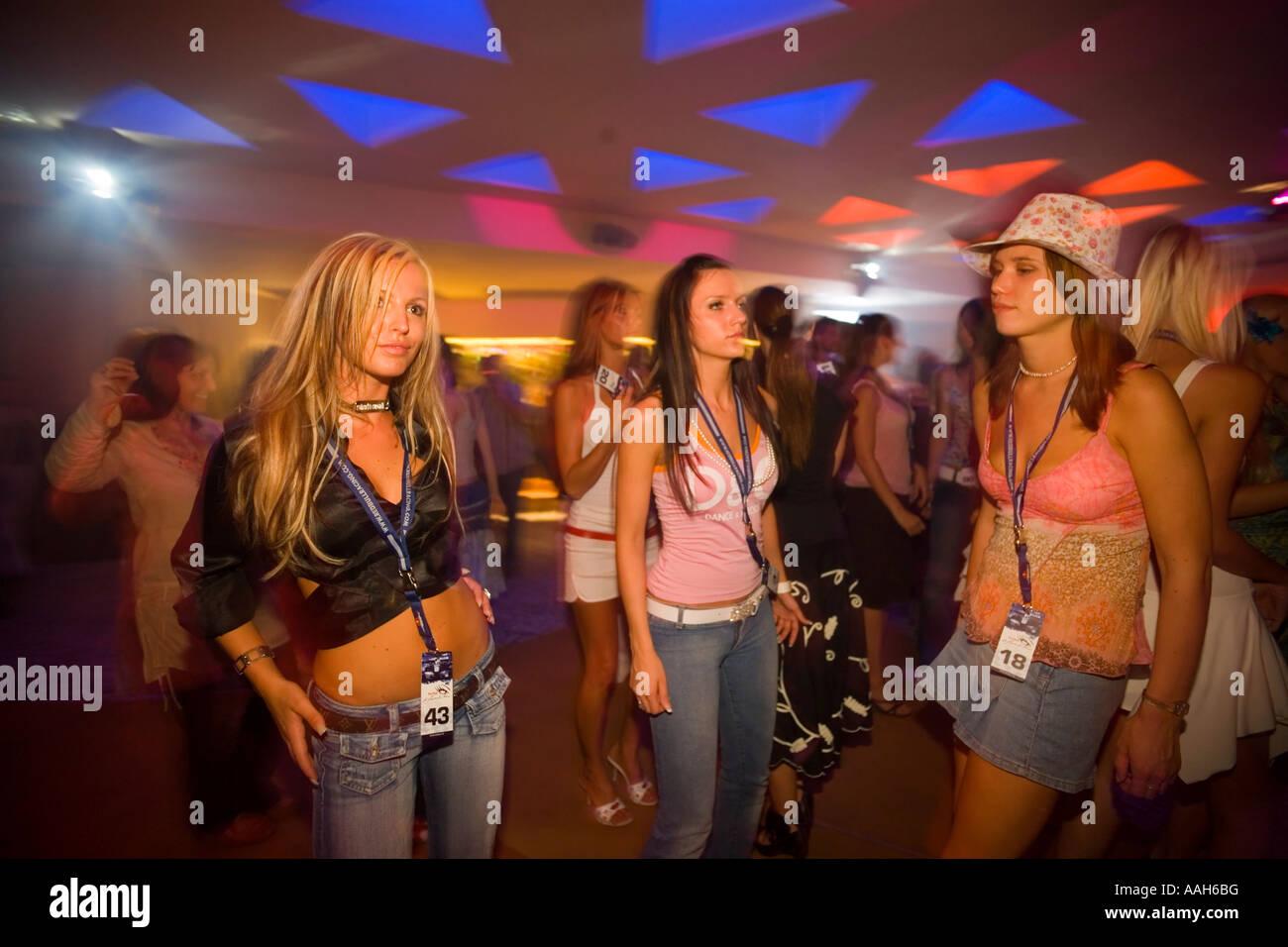 In Club Austria Vienna Night Girls In