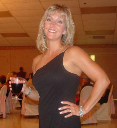Seeking Looking Spanish Dating Men Ons For Divorced Blonde