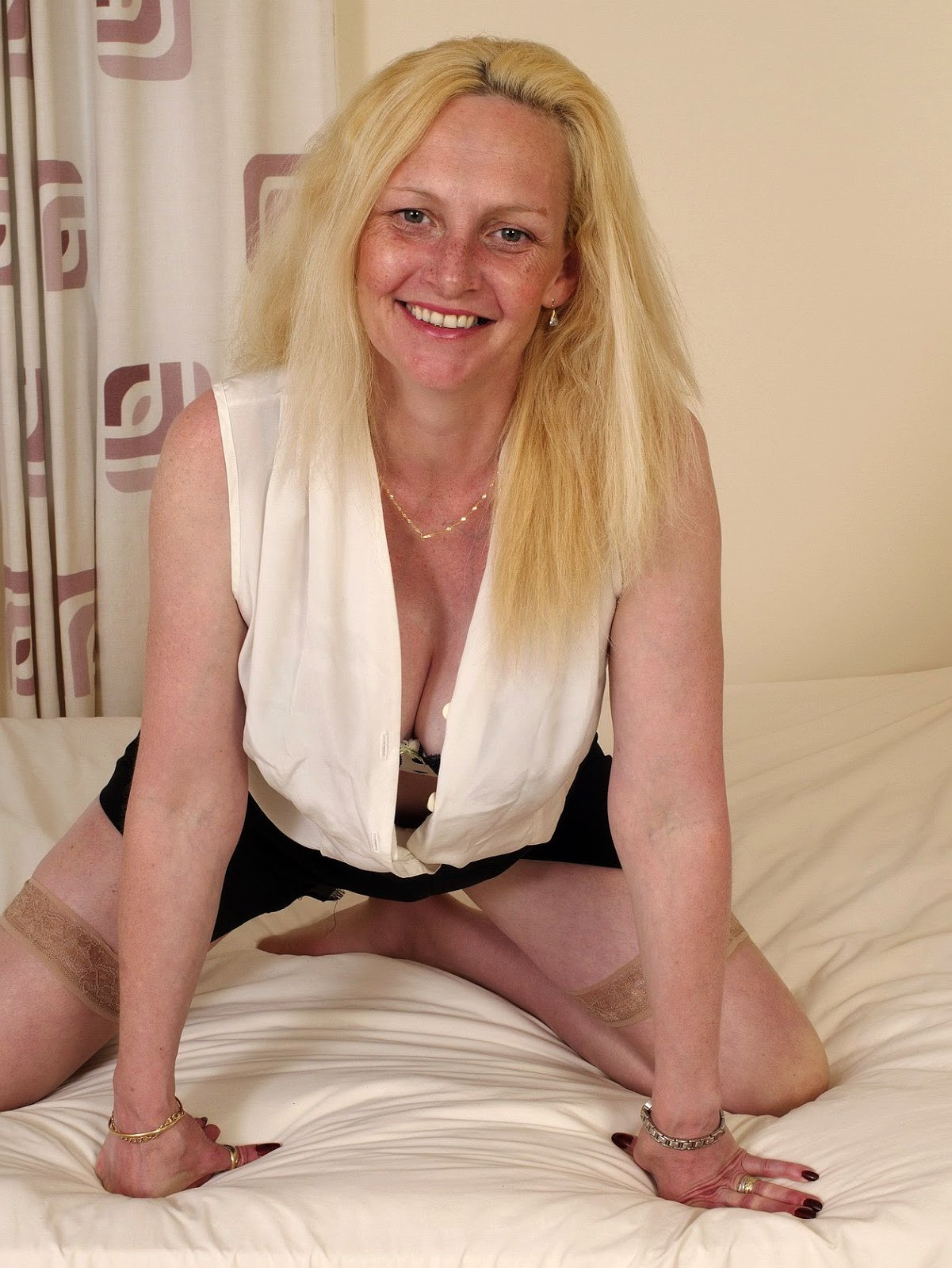 45 To 50 Divorced Fetish Woman Seeking Man