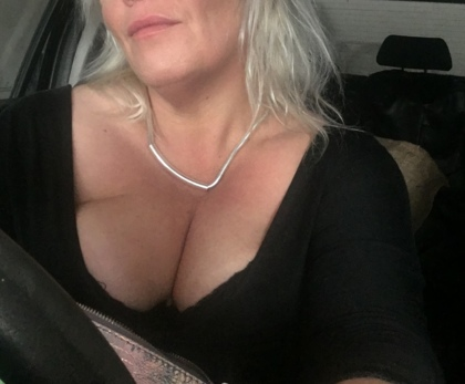 Tributes 48 Single 40 To Man Alternative Woman Seeking