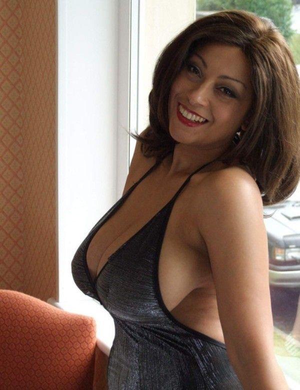 Brunette Lady Looking Free Men Singles For