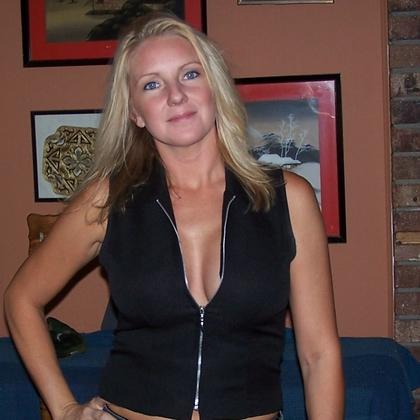 Bookin To Sexual Encounter Man 50 One-night Stand Woman Seeking Kinky 45