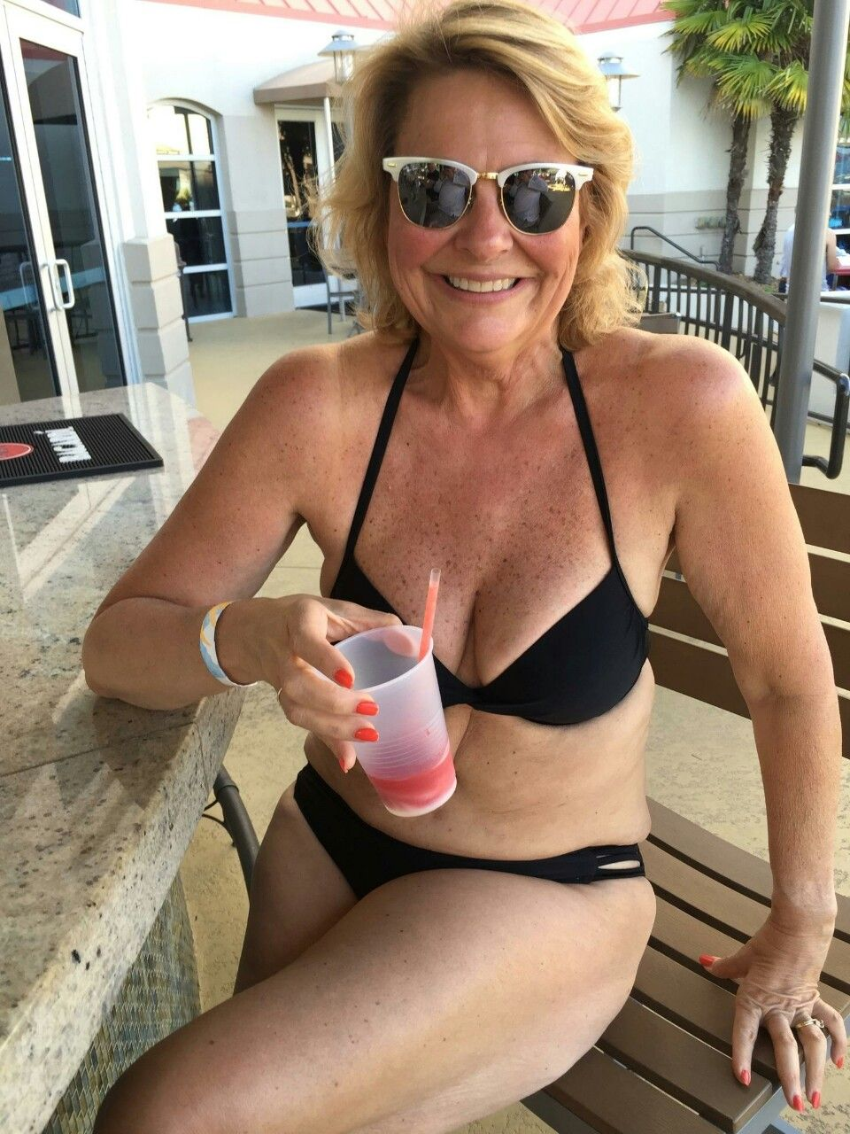 Seeking Agnostic 55 Kinky Woman To Man 60