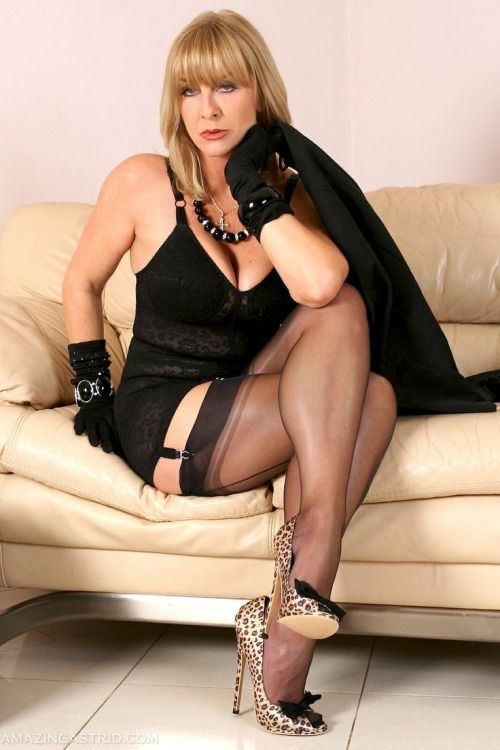Nepal Whitby Housewife Escort