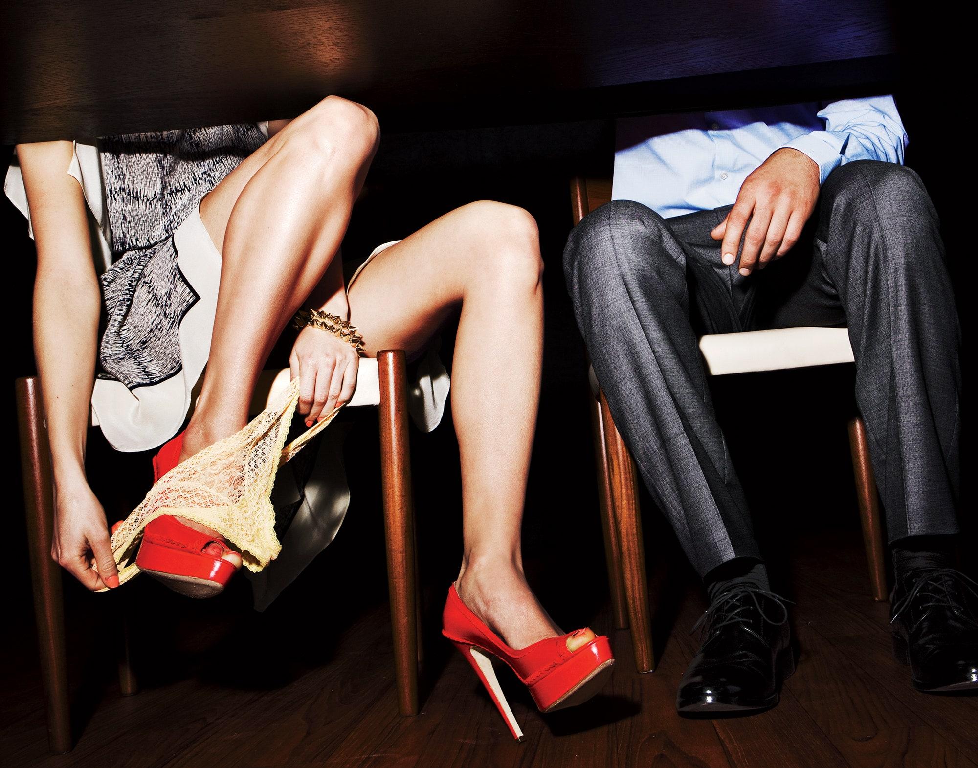 Blond Dating Perverted Ashleymadison
