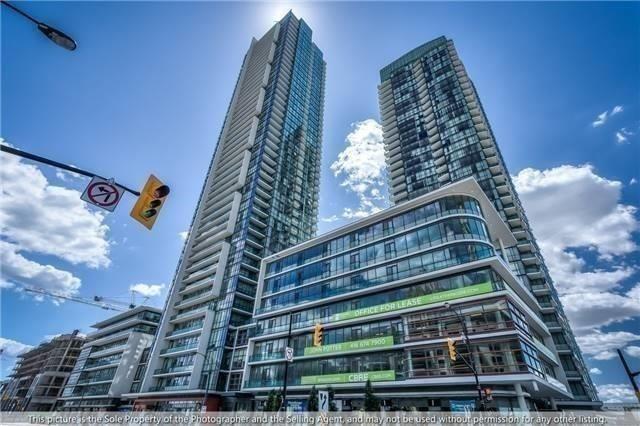 One Confederation Pkwy Toronto Square Escort
