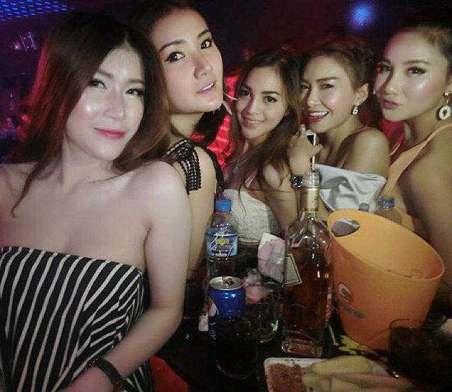 Repu In Vientiane Laos Girls In Night Club