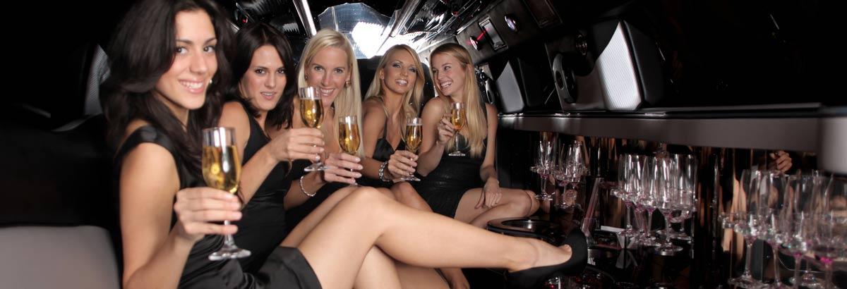 Girls In Night Club In Wakefield Uk