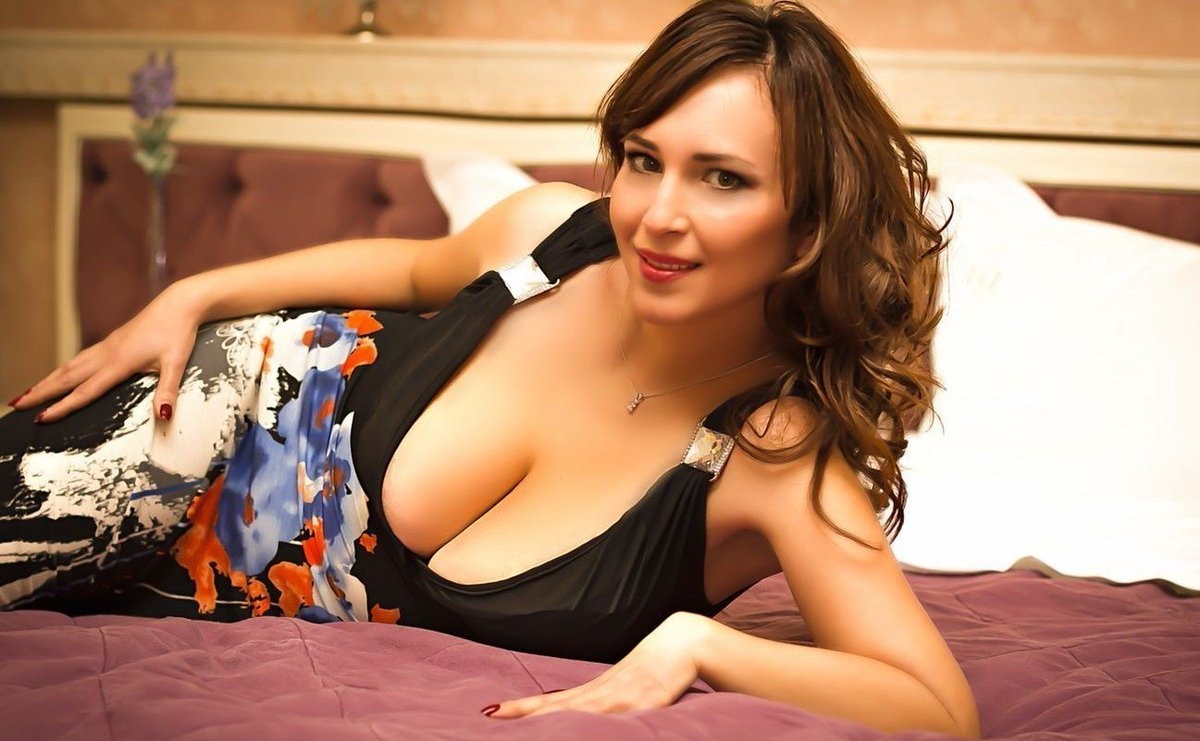 Unisex Stand Local Singles Man Woman Seeking One-night Promiscuity