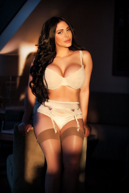 Luxury Companion Girls Winnipeg Escort
