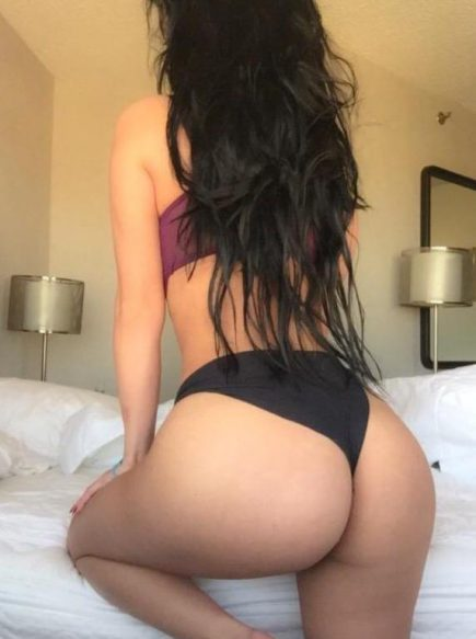 Selena Montreal Escort