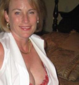 55 To 60 Divorced Sexual Encounter Woman Seeking Man