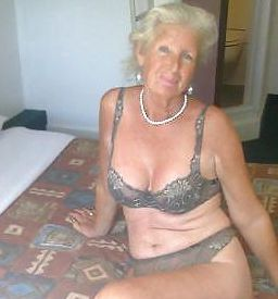 Escort Britannia And Hurontario Housewife